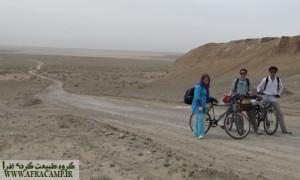گذر از جاده خاکی کویر مرنجاب