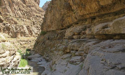 مناظر قبل از حمام اول-حجم آب رود هنوز پایین است