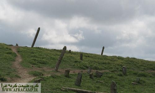 متاسفانه این قبرستان در حال فرسایش و نابودی است
