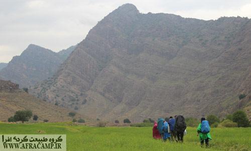 پیمایش دره شلا به سمت شیمبار در باران بهاری