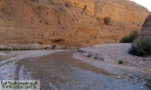 مسیر رودخانه ای که می بایست تا ابتدای تنگه پیمود.