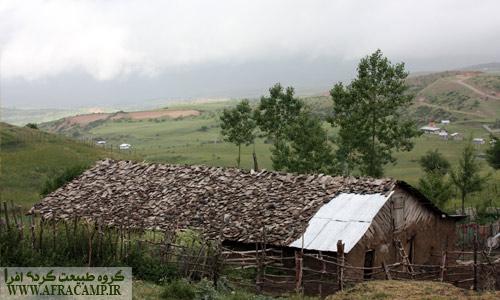 سقف های چوبی نمادی از خانه های گیلان