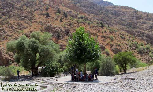 چشمه پنبه کار در مسیر دریاچه گهر