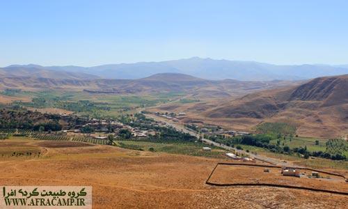 روستای تازه کند با دور نمای تخت سلیمان