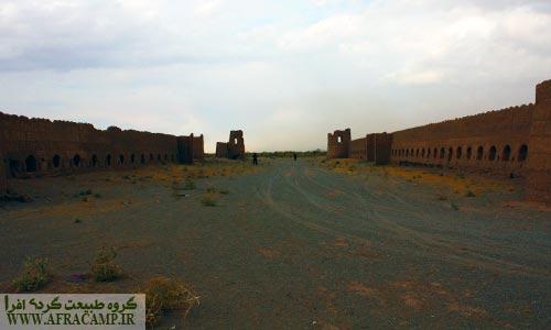 دیوار های دو قلعه شجاع آباد تقریبا سالم هستند