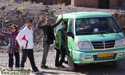 آقای تقی زاده راننده خوب ما در طبس که به لطف ایشان از  جاذبه های زیادی در این منطقه بازدید کردیم.