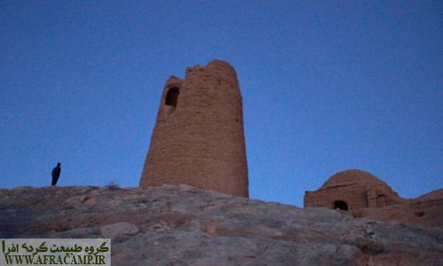 غروب دلنشین دیهوک و برج روستا