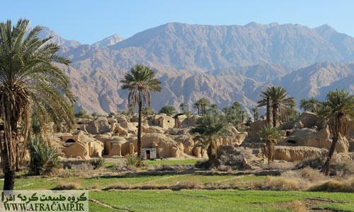 معماری زیبای روستا و بادگیرهای آن، نخلستان و زعفران در اصفهک خیره کننده است...