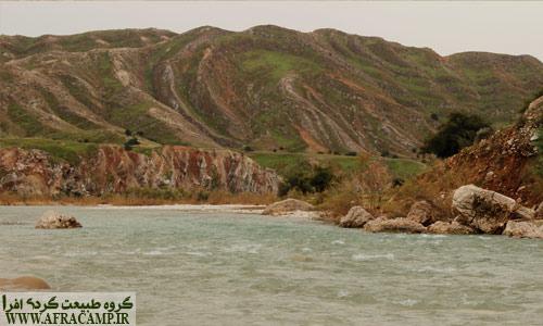 رود زیبای تلوک که به آرامی خود را به کارون(سد گتوند) می رساند