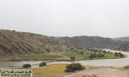 دورنمای رود تلوک و روستای چیتی