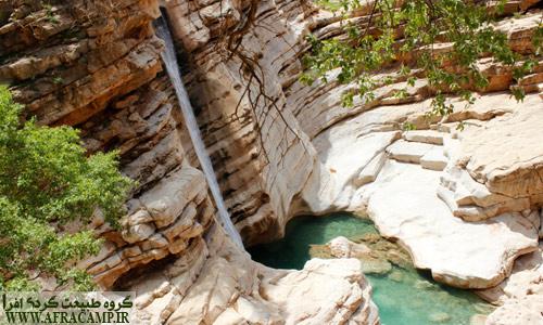 اولین آبشاری که در مسیر شوی از بالای دره با آن مواجه می شوید.