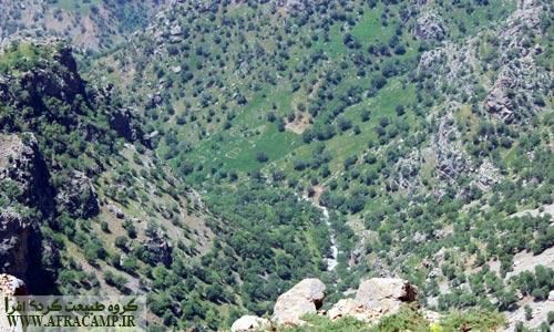 مقصد بعدی انتهای دره است که از چند ساعت جلوتر در این نقطه دیده می شود.
