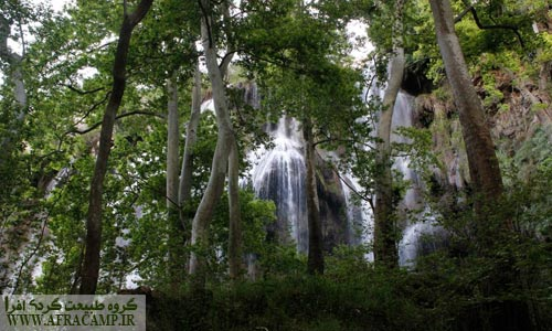 طراوت آبشار حال و هوای معتدل خزری به اطرافش داده است