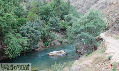 آبی تقریبا سرد در رودخانه تنگی ور