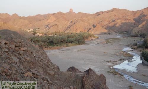 روستاهای سرباز عمدتا در مسیر رود هستند.