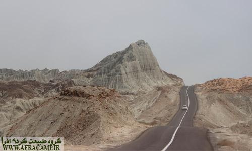 جاده گواتر پر از پیچ و خم های خطرناک است، در این جاده با احتیاط رانندگی کنید.