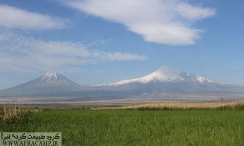 قله های آرارات که در خاک کشور ترکیه هستند.