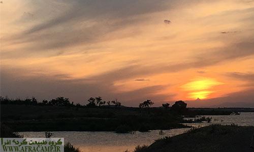 غروب دلنشین در کنار دریاچه سد ارس