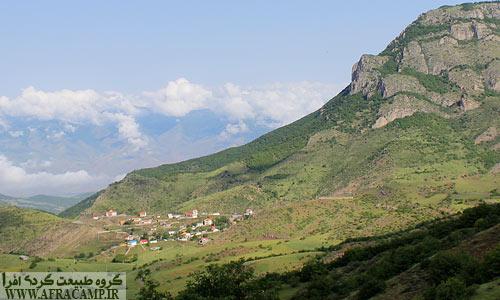 منظره روستای وایقان از آینالو