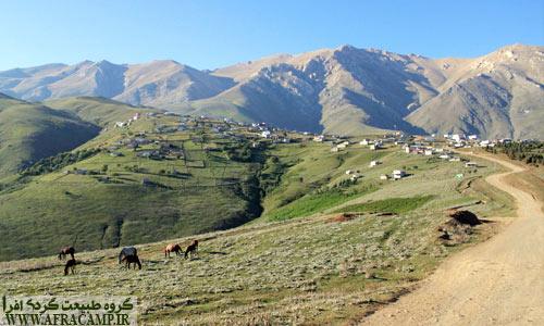 در بدو ورود به جواهر دشت و منظره روستا