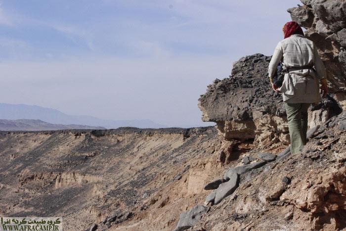 در مسیر بالارفتن از صخره