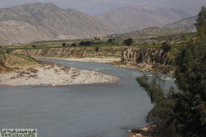 رود مارون پس از کیلومترها مسیر قبل از ورود به دشت خوزستان پشت سد مارون در نزدیکی بهبهان آرام می گیرد.
