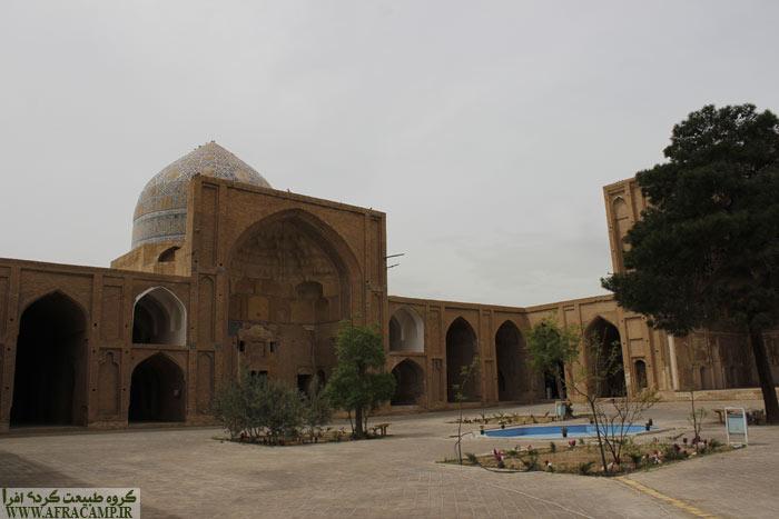 این مسجد در دوره های مختلف مرمت شده است.