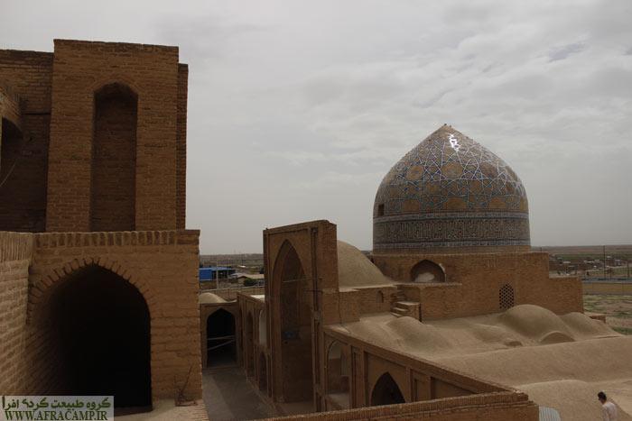 پشت بام مسجد