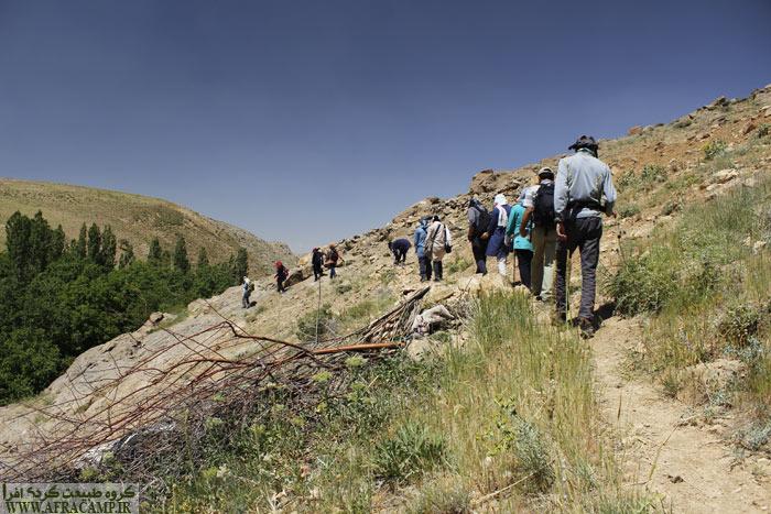 پیمایش دره نعمت از هفت چشمه به پیر چوپان در اوایل مسیر