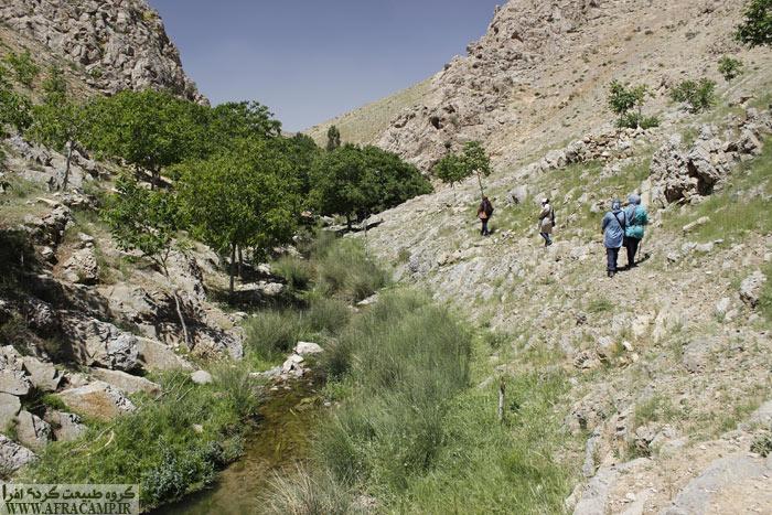تمتم مسیر پاکوب است و در طول دره مسیر گم نمی شود.