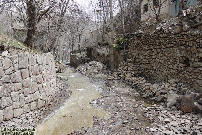 اینجا یک رود نیست، اینجا یکی از کوچه های بالادست روستاست که اینچنین در بهار آبراه شده است.