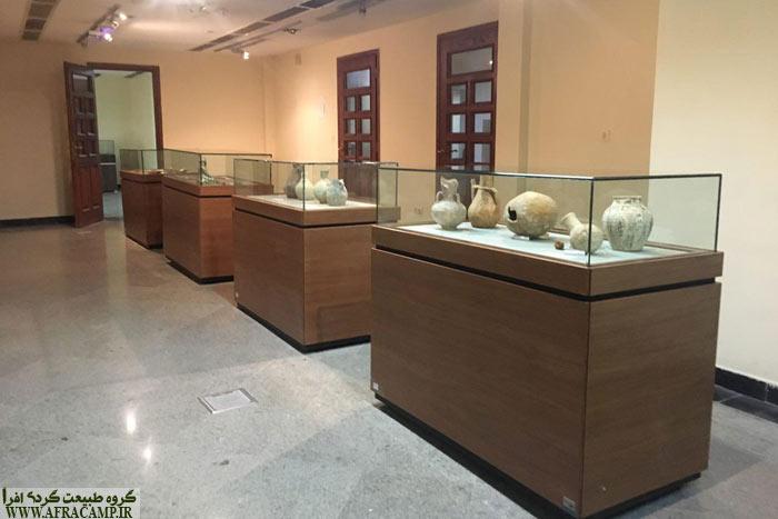 بخشی از ویترین های موزه بدرعباس