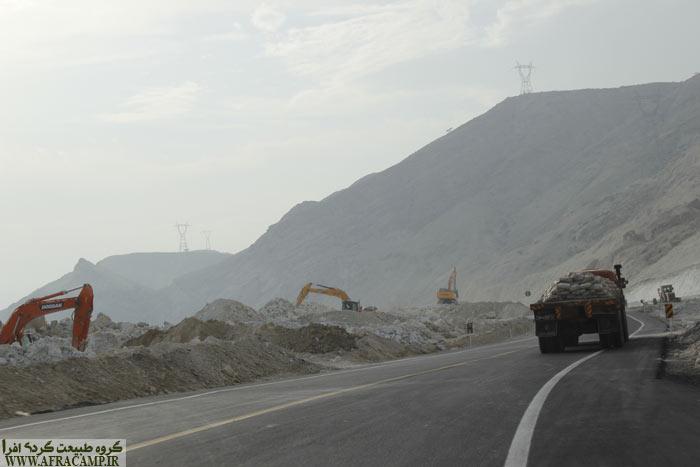 جاده بندر لنگه در حال دوبانده شدن است. بهمن 96