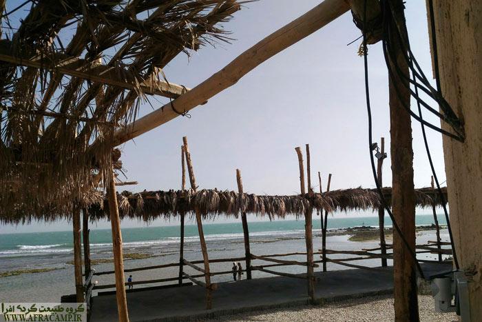 اقامتگاه بومگردی شنیوب در بندر زیارت. شنیوب به معنای خرچنگ است.