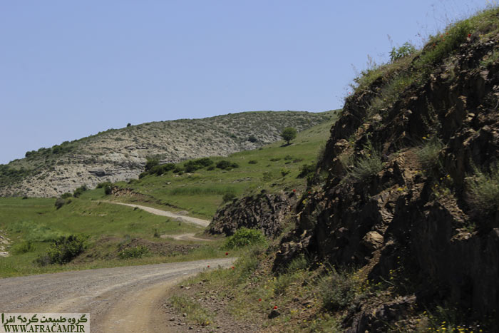 Is initially uphill dirt road.