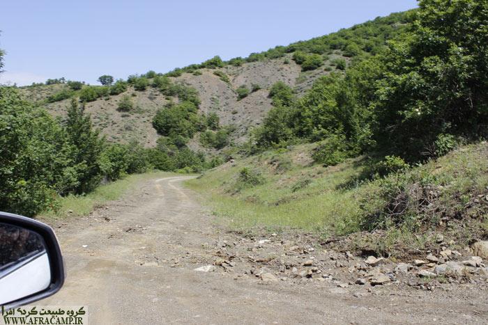 ارتفاع ناپشته تقریباً 1250 متر است. کیفیت جاده در زمان تردد ما خرداد 96 خوب بود.