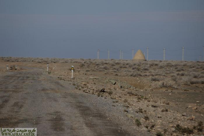 17 کیلومتر از مسیر احمد آباد به رضاآباد آسفالته و 10 کیلومتر خاکیه خوب است.