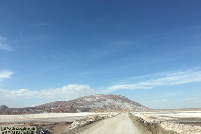 جاده دسترسی به گنبد نمکی