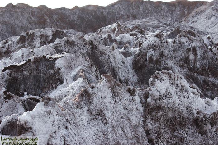 بیشتر به کوه های برفی شبیه است