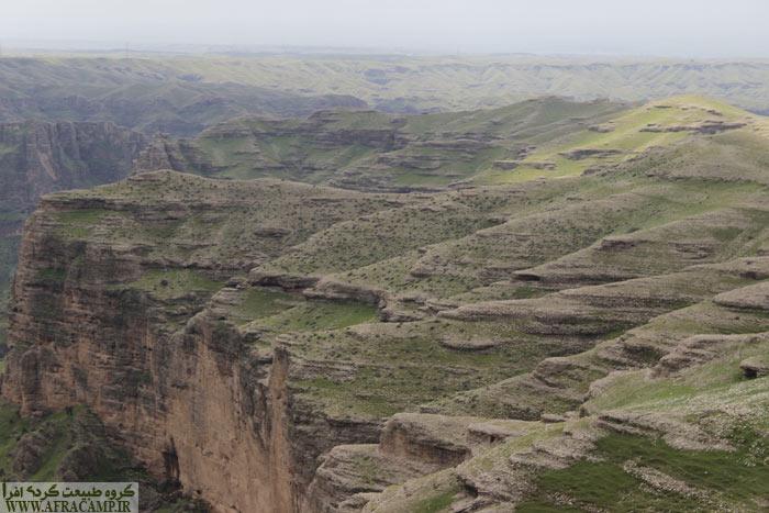 دره های عمیق در نزدیکی دز
